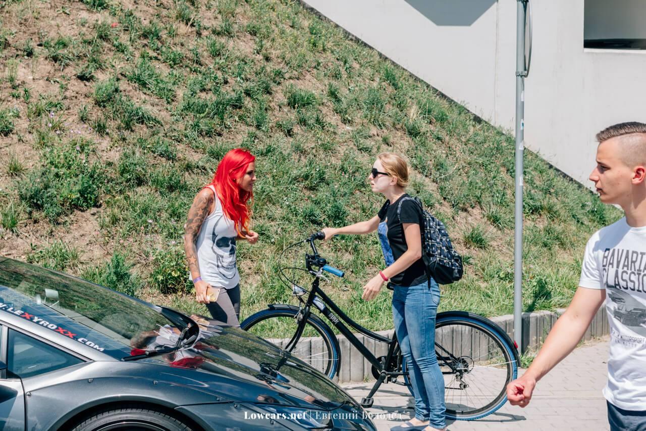 Конфликт Lexy Roxx и девушки на велосипеде